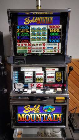 Photo US made coin operated 5 Lines Gold Mountain slot machine and others - $700 (Standish)