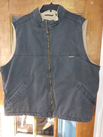 Photo Wolverine work vest 2XL - $30 (Livonia)