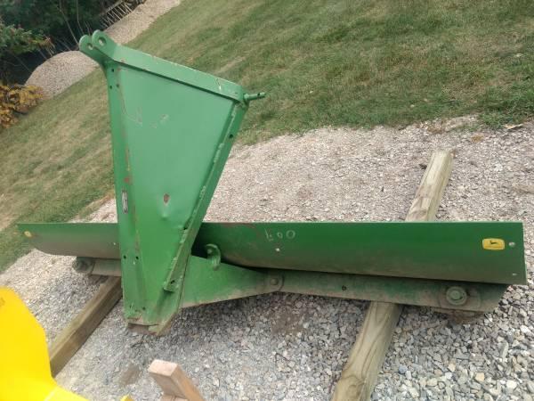 Photo back blade 8 ft John Deere or trade for brush hog - $700 (Peck)