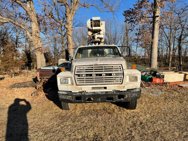 Photo 1982 Ford F700 Boom Truck for Parts or Fix Up - $2,000 (Monticello)