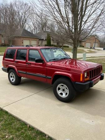 Photo 1999 Jeep Cherokee Sport - $6750 (West Lafayette)