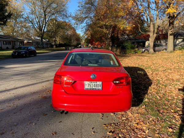 Photo 2012 VW JETTA 2.5 SE MI 96700 - $7,000 (WEST LAFAYETTE)