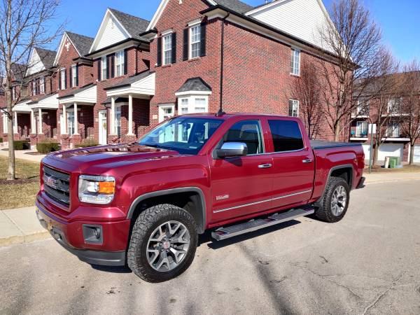 Photo 2015 GMC Sierra SLT All Terrain - $28400 (West Lafayette)