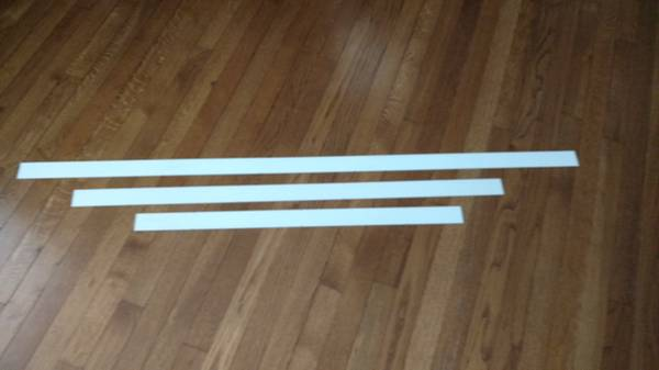 Photo Extra LEVOLOR Blinds Faux Wood White SlatsThree (3) Different Sizes - $10 (Indianapolis)