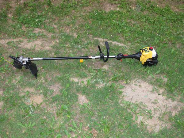 Photo Heavy Duty Double Cut Head Gas Powered String Trimmer Weed Eater - $115 (Lafayette)