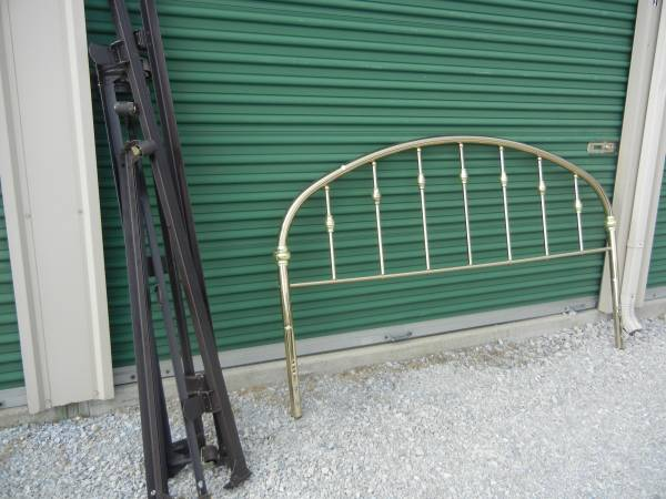 Photo King brass headboard and king frame - $50 (Brookston, In.)