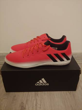 Photo Lionel Messi 16.3 Indoor Soccer Shoes - $45 (Lafayette)