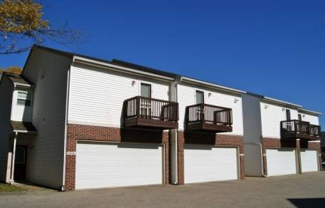 Photo Looking for Roommate for 3 bed 3.5 bath townhouse (West Lafayette)