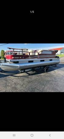 Photo Trading my pontoon for wakeboard boat - $6,000 (Greenwood)