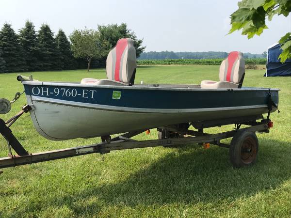 Photo 12 Ft Aluminum V Bottom Boat and Trailer - $800 (Wauseon)