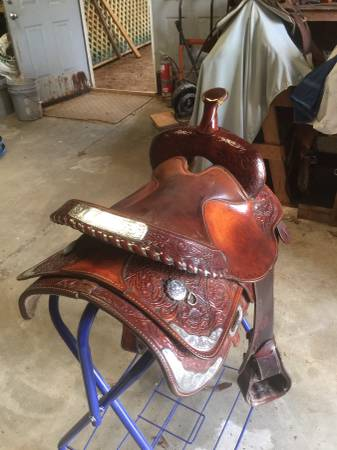 Photo 14quot 15quot Circle Y saddles trail saddles - $400 (Pemberville oh)
