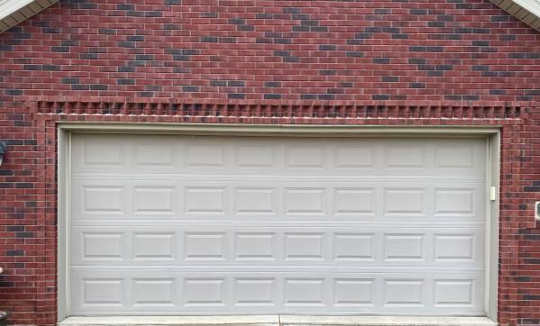 Photo 1639x739 Garage Door - $295 (Grand Rapids, Ohio)