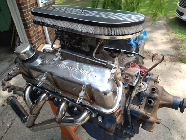 Photo 1968 Ford built 302 - $800 (Petersburg)