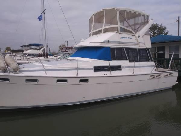 Photo 1989 38 ft Bayliner Motoryacht - $49,750 (Curtice, Ohio)