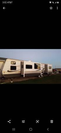 Photo 39 ft crossroads zinger cer travel trailer - $16,900 (Curtice)