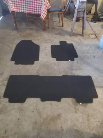 Photo BRAND NEW Honda Odyssey floor mats - $10 (Lambertville, MI)
