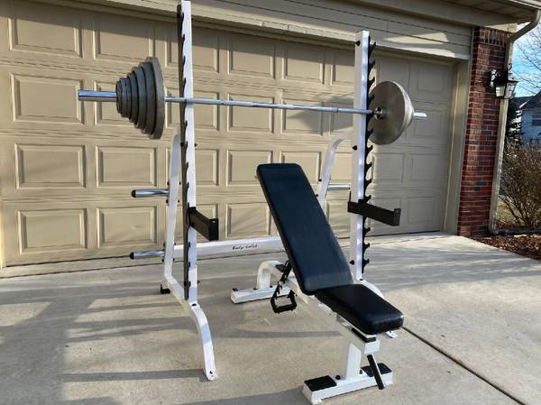 Photo Body-Solid Squat Rack w York Weight Bench and 300lb Olympic Weights - $795