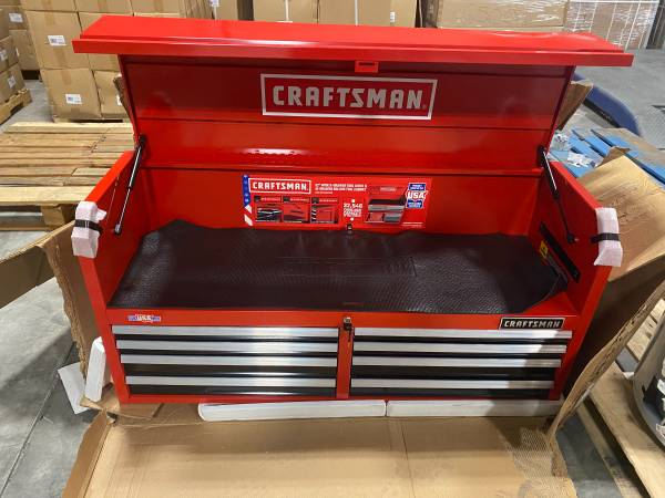 Photo Craftsman 8 drawer tool box - $250 (Holland)