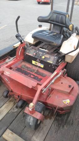 Photo Exmark Lazer Z 60quot Lawn Mower - $2400 (Delta)