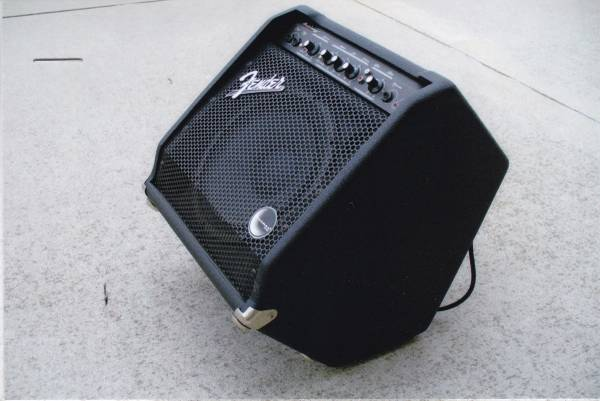 Photo Fender lifier .. model Bassman 25 .. NEW condition - $95 (Toledo)