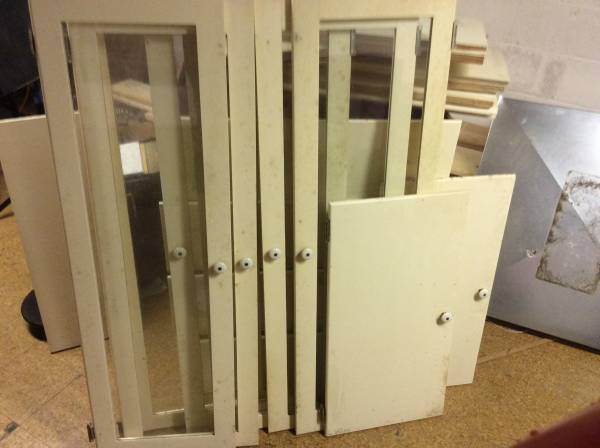 Photo Glass front cabinet doors and more - $100 (Toledo)