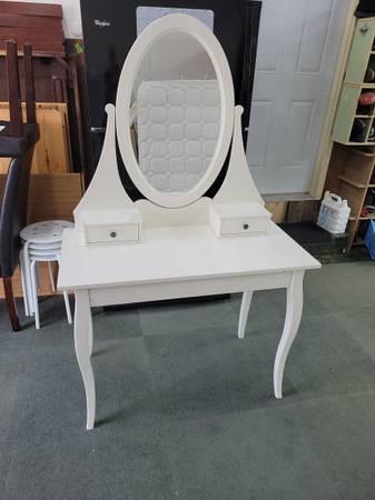 Photo IKEA HEMNES vanity - $125 (Toledo)