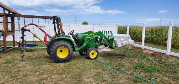 Photo John Deere 3038e 4wd loader tractor with attachments - $17,500 (Clyde,ohio)