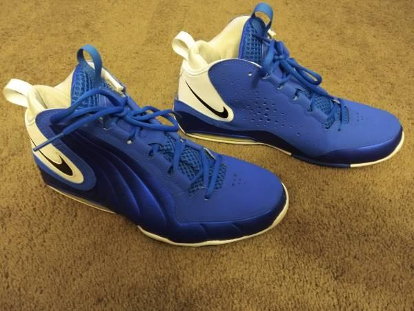 Photo Mens Nike size 11..Wavy Game Royal..like new - $65 (Toledo)