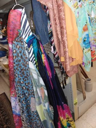 Photo New Ponchos, Bags, Clothing Accessories Casual, Social, Hip, Modern (Maumee)