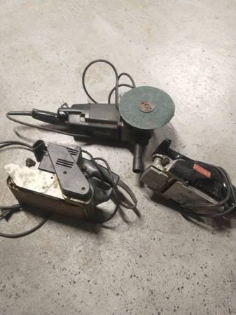 Photo Older craftsman grinder, belt sander , plainer and bench vise - $45 (Toledo)