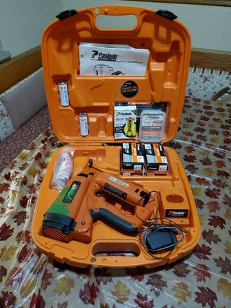 Photo Paslode 16 GA. Cordless Angled Finish Nailer - $150 (Holland)