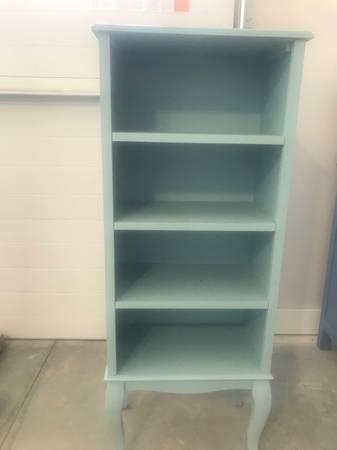 Photo Pier One baby blue bookcase - $30 (Perrusburg)