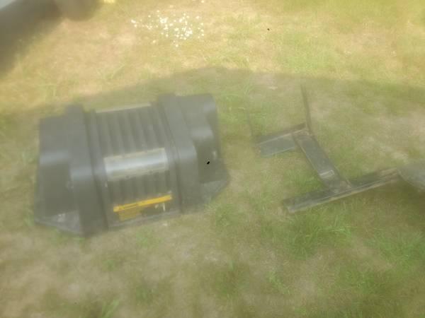 Photo Simplicity lawn mower bagger - $50 (Sylvania)
