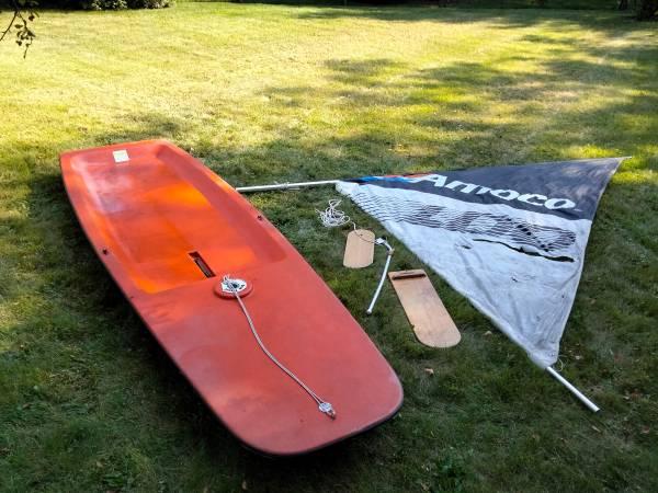 Photo Small sailboat - $100 (Maumee)