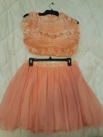 Photo Womensjunior formal dresses - $40 (Toledo ohio)