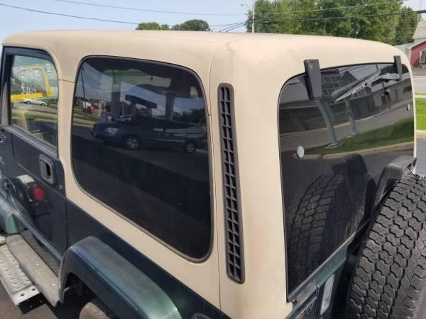 Photo jeep wrangler tj 1997-2006 hard top - $895 (Vickery)