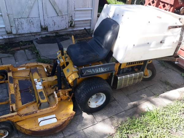 Photo 1997 walker mower - $1600 (Rossville)