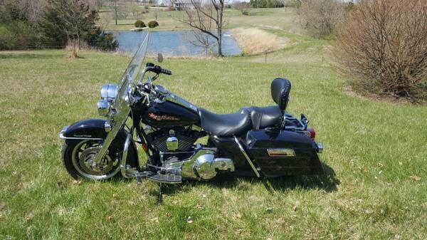 Photo 2004 Harley Road King FLHRI - $10,000 (SW Topeka)
