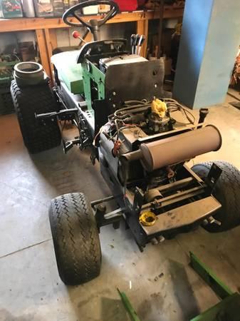 Photo 420 John Deere lawn tractor - $1,800 (Burlingame)