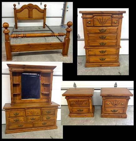 Photo 5Pc Bedroom Set Queen Full Bed Dresser Dresser w Mirror 2 Nightstands - $425 (Burlingame, K.S.)
