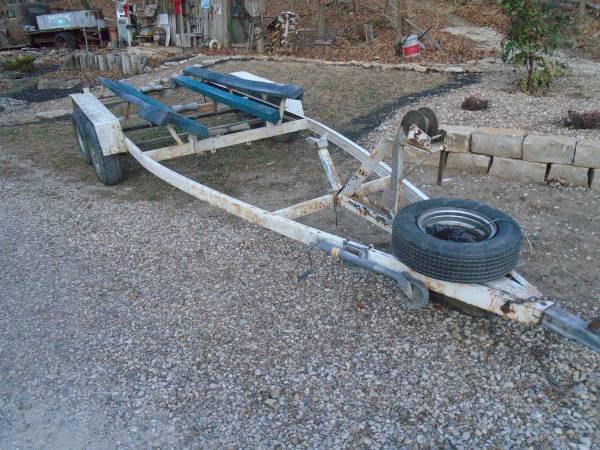 Photo Boat Trailer Tandem Makes a Great Flatbed - $280 (Kansas City,Ks)