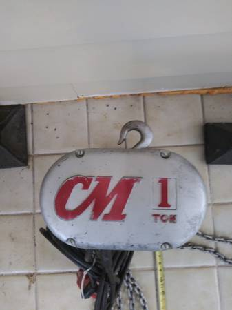 Photo CM 1 ton hoist - $1,600 (topeka)