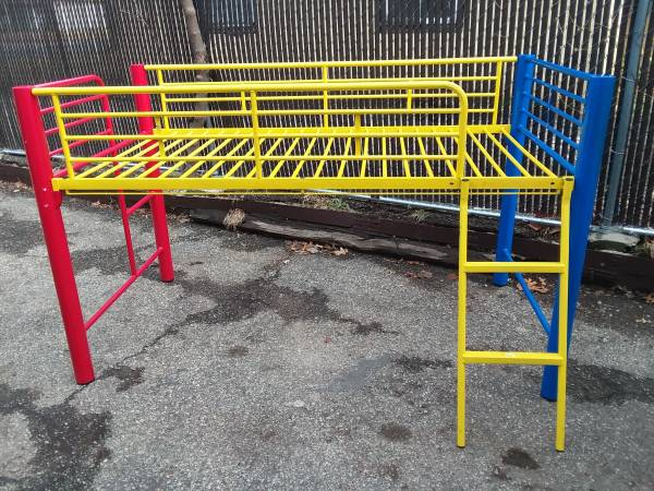 Photo Child39s metal loft bed with slide - $150 (Topeka)