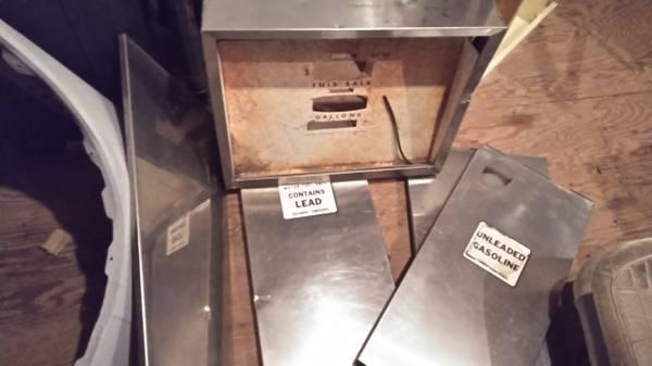 Photo Gas pump parts - $60 (Burlington)