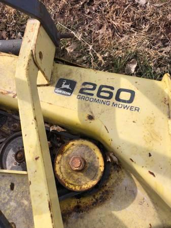 Photo John Deere finish mower - $300 (Emporia)