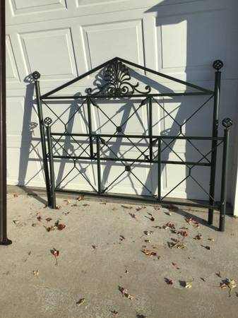 Photo Queen Bed sized headboard footboard foundation support and rails - $85 (SW Topeka)