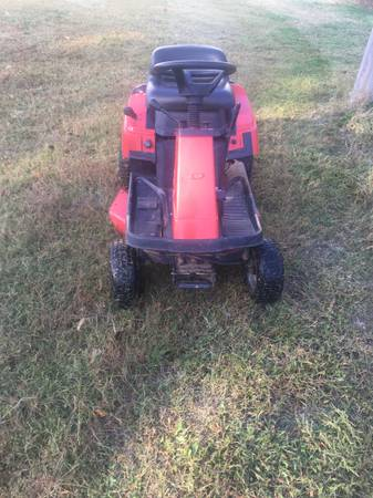 Photo SIMPLICITY 30quot rear engine lawn mower - $100 (topeka)