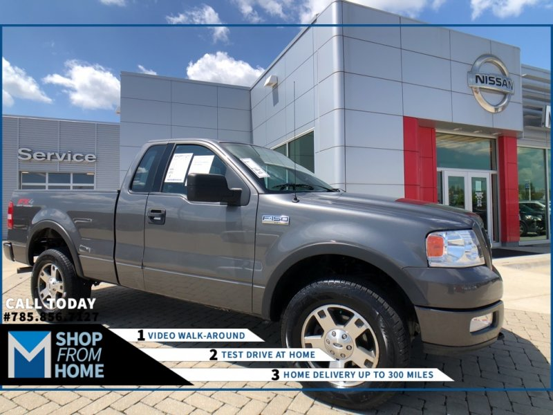 Photo Used 2004 Ford F150 4x4 Regular Cab for sale