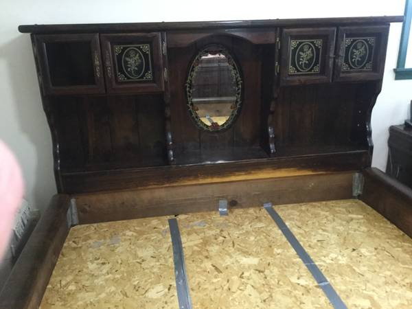 Photo Waterbed base frame and headboard - $150 (East of Silver Lake North of Highway 24)