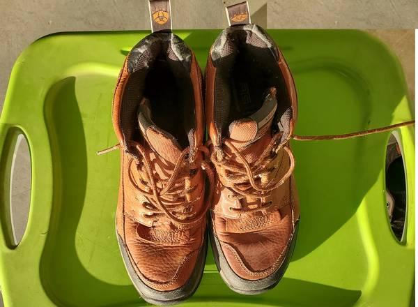 Photo boots - ariat - $10 (Topeka)